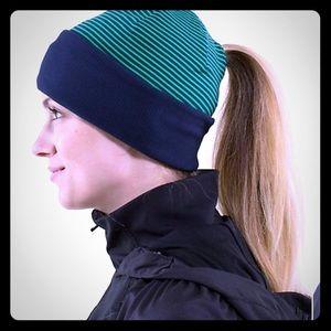 Lululemon Run With Me Toque Beanie Hat Blue/Green